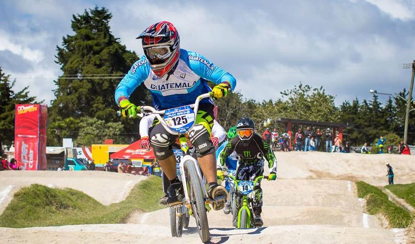 El equipo de Guatemala ganó al menos una medalla en las 12 categorías que se disputaron en la Pista Brisas Track. (Foto: Román Castro)