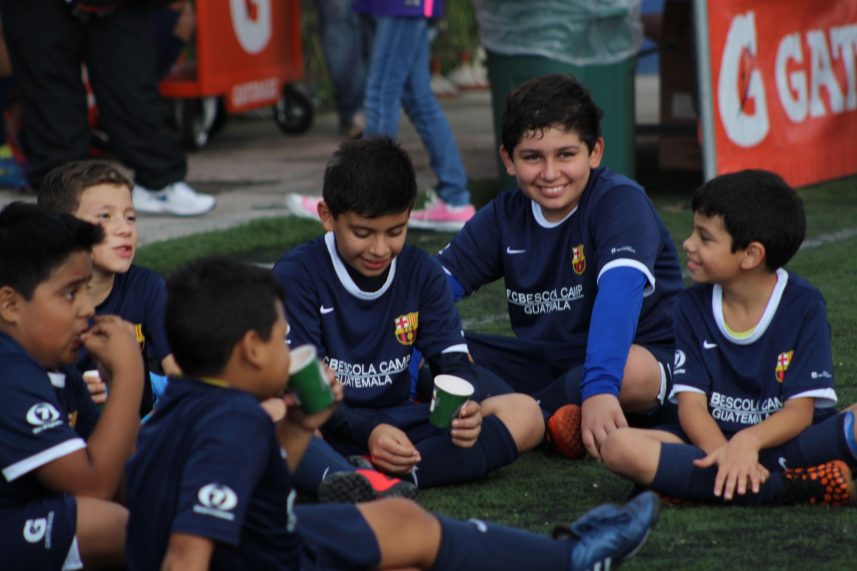 Requisitos para ser parte de la escuela de fútbol del FC Barcelona ... 33229c1f399