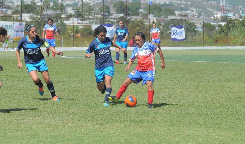 Partido de ida Xela vs Unifut por la final del Torneo Apertura Femenino | Noviembre 2016