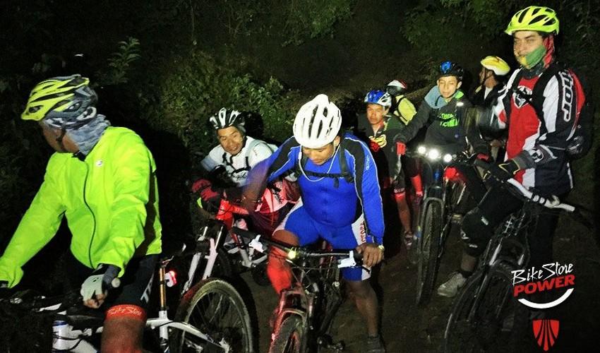 Travesía MTB Nocturna en La Ruta del Sombrerón - Antigua Guatemala   Noviembre 2016