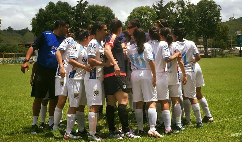 Cuatro equipos se encuentran en la disputa por su boleto a la gran final del fútbol femenino. (Foto: Champions CFS)