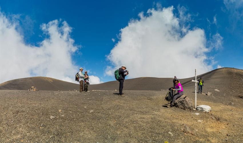 Ascenso nocturno al Volcán Acatenango por el fin de año | Diciembre 2016