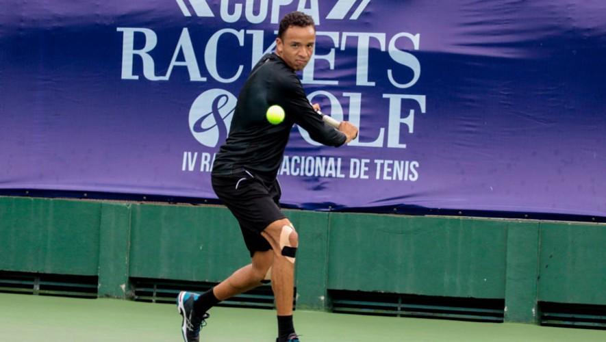 Wilfredo se quedó con el titulo de la categoría mayor del IV Ranking de tenis. (Foto: Javier Herrera)