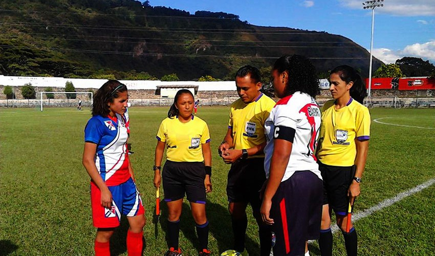 Partido de vuelta Xela vs Amatitlán, semifinales del Torneo Apertura Femenino | Noviembre 2016