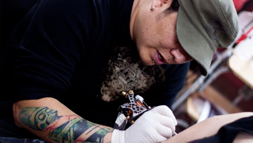 Ivan Goñas es el único guatemalteco invitado a una importante exposición de tatuajes en Taiwán. (Foto: Esquisses)