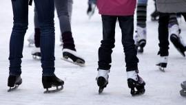 Aprende a patinar en hielo en la pista de Dinamia Cayalá. (Foto: Flint Iceland)