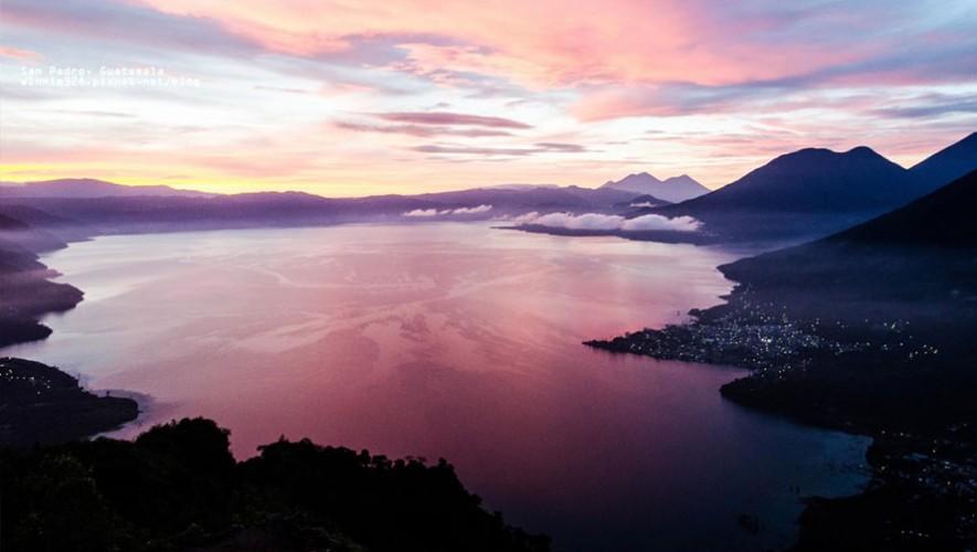 Uno de los mejores lugares para ver el amanecer es el Mirador de la Nariz del Indio en Atitlán. (Foto: Go Curry Cracker)