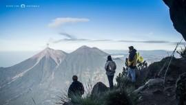 Jóvenes guatemaltecos subirán el Volcán de Agua para limpiarlo. (Foto: Nixon Lima)