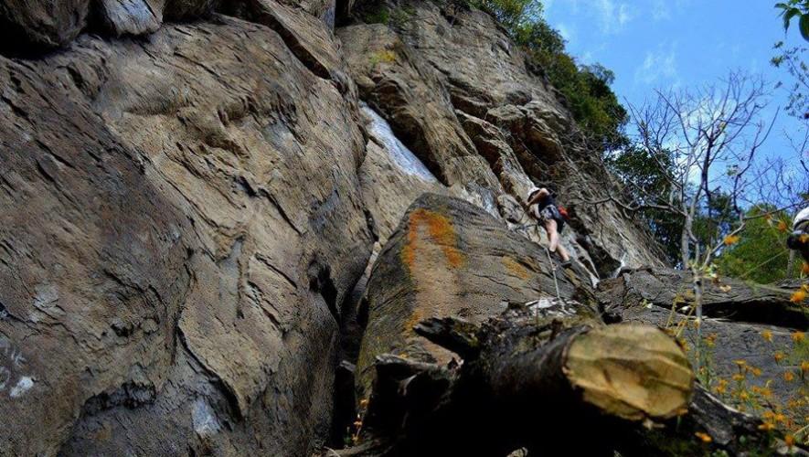 El Peñón de Amatitlán fue el escenario perfecto para el primer festival de escalada en Guatemala. (Foto: Chapin Rock Climbing)