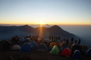 amanecer-volcan-santa-maria-grupo-fuego
