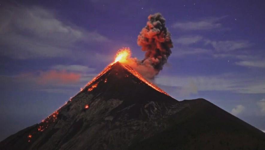 Ascenso y campamento al Volcán de Fuego | Diciembre 2016