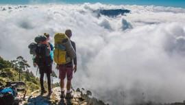No te puedes perder los amaneceres y atardeceres que ofrecen las cimas de los volcanes en Guatemala.(Foto: The Outbound Collective)
