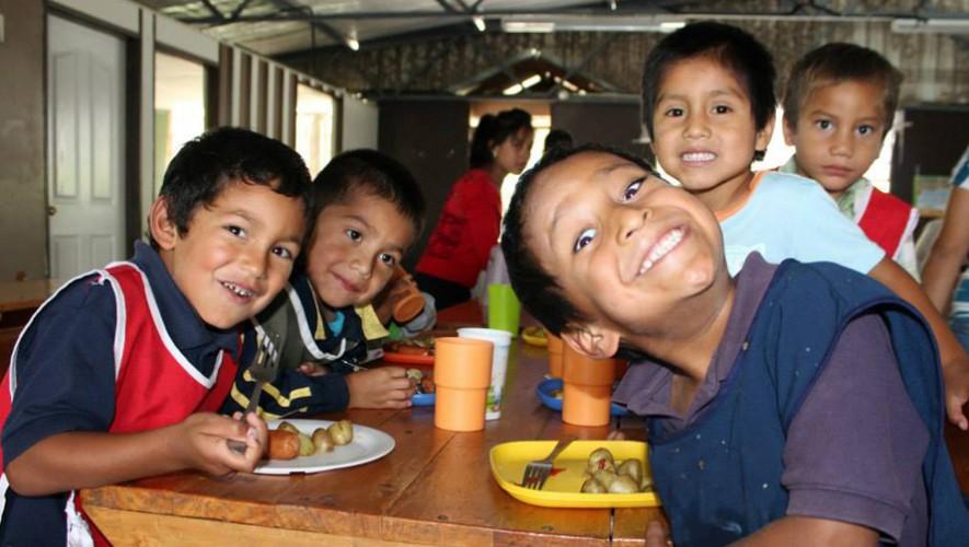 """Convivio """"Regalando Sonrisas"""" con los niños de Fundaniños   Diciembre 2016"""