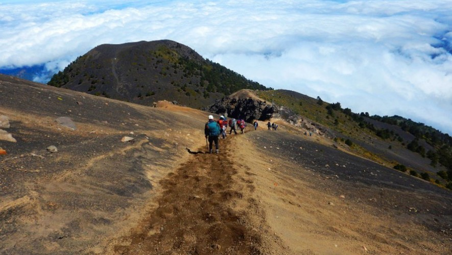 Ascenso al Volcán Acatenango por K'ashem   Diciembre 2016