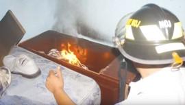 Esta casa en zona 5 es conocida por incendiarse espontáneamente. (Foto: Captura YouTube)