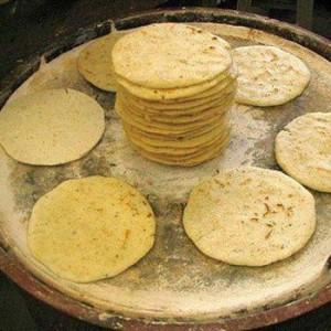 Cómo se hacen las tortillas guatemaltecas