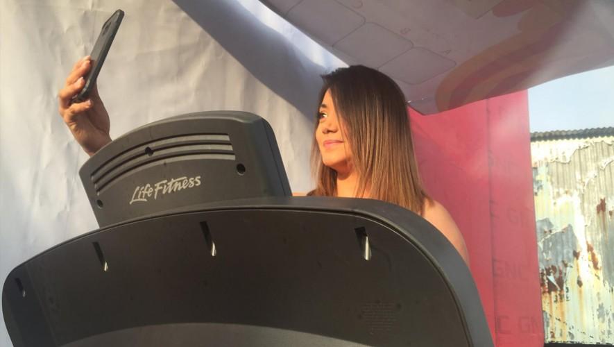 Gaby Asturias fue la primera en participar en el reto MáskmMásayuda. (Foto: GNC Guatemala)