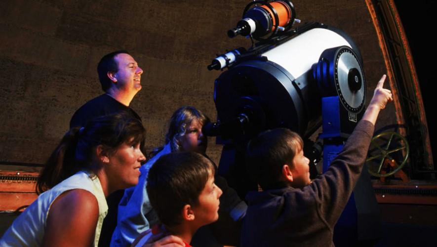 Podrás ver el primer eclipse penumbral lunar del año desde telescopios. (Foto: Fotografía con fines ilustrativos/ Holidays-with-Kids)