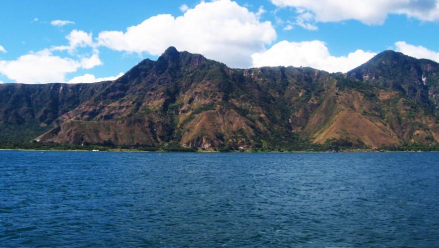 El cerro Nariz del Indio, Rostro Maya o Rupalaj K'istalin es de los mejores lugares para observar el Lago Atitlán. (Foto: Mapio)
