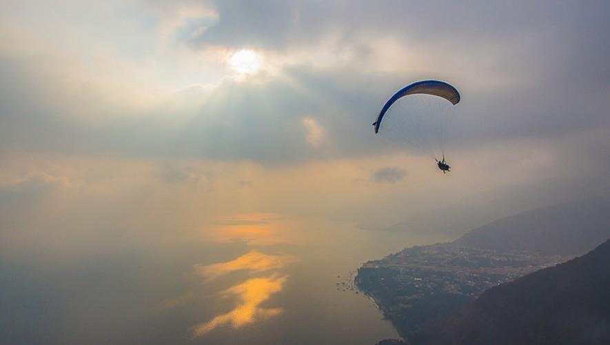 Vuelo en parapente sobre el Lago de Atitlán en Sololá | Marzo 2017