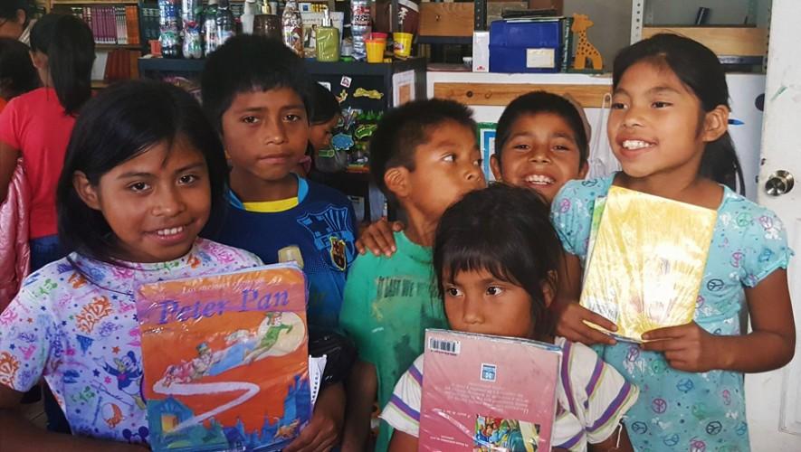 Los niños de la aldea de Purulhá en Baja Verapaz recibirán sus saldos escolares. (Foto: Biblioteca Lic. Bernardo Lemus Mendoza)