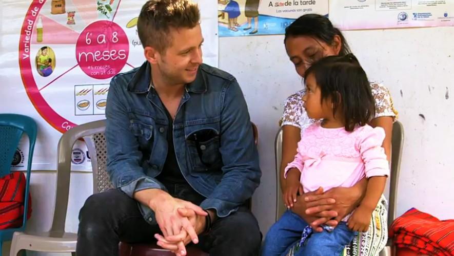 Ryan Tedder realizó un arreglo musical de su canción Feel Again sobre latidos del corazón de niños guatemaltecos.(Foto: Captura People)
