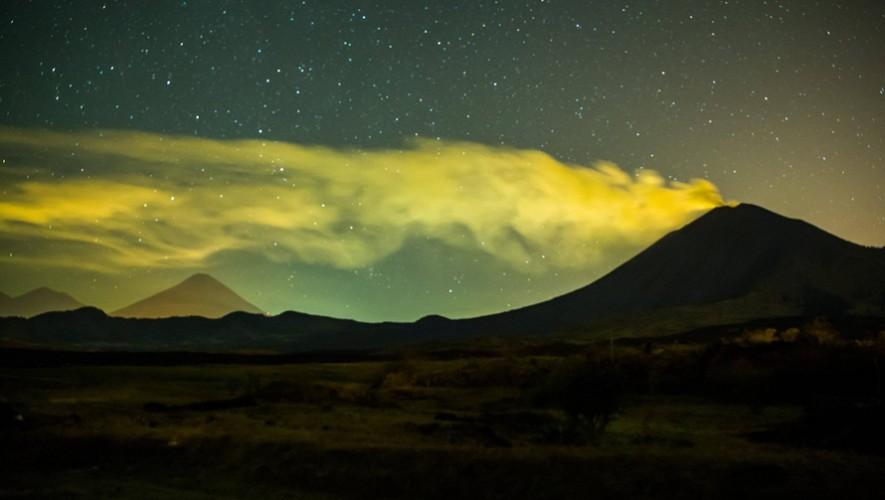 Concierto acústico con vista a los volcanes de Fuego, Agua, Pacaya y Acatenango | Enero 2017
