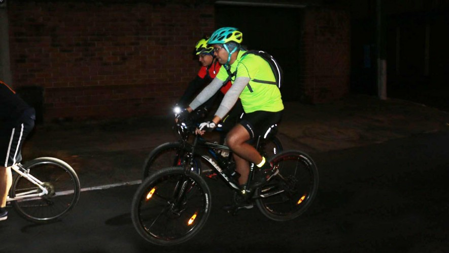 Colazo urbano en bicicleta de 35K por Mi Bike 502 | Enero 2017