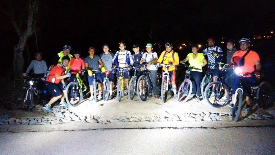 Colazo nocturno en bicicleta de montaña en Bike Park El Socorro  Enero 2017