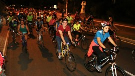 En lo que resta de enero podrás participar en varios colazo nocturnos y travesía a Esquipulas o Monterrico. (Foto: Bicitour Nocturno Muniguate)