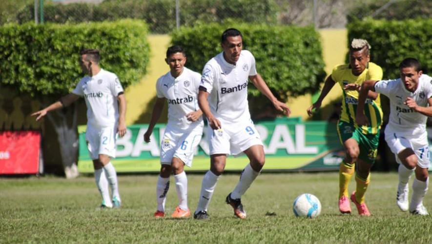 Partido de Guastatoya vs Comunicaciones por el Torneo Clausura   Enero 2017