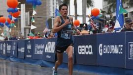 Rivero sigue dando de qué hablar en Maratón de Miami y esta vez fue el mejor Latinoamericano de los 42 kilómetros. (Foto: Miami Marathon & Half Marathon)