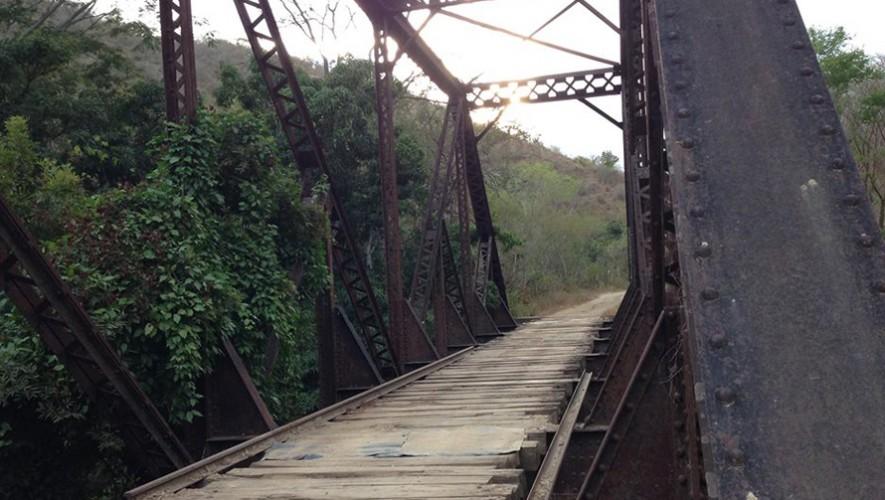 Paseo en bicicleta por las vías férreas del Oriente, en El Progreso | Enero 2017