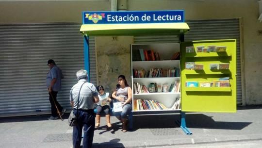 ASLIGUA y la Municipalidad de Guatemala, inauguran la primera estación de lectura