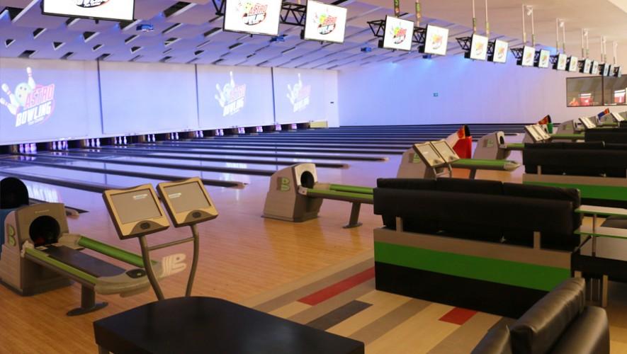 Astro Bowling cuenta con 17 pistas de boliche para toda la familia. (Foto: Guatemala.com)