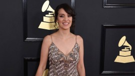 Así lució Gaby Moreno en la alfombra roja de los Premios Grammy 2017. (Foto: Jordan Strauss)