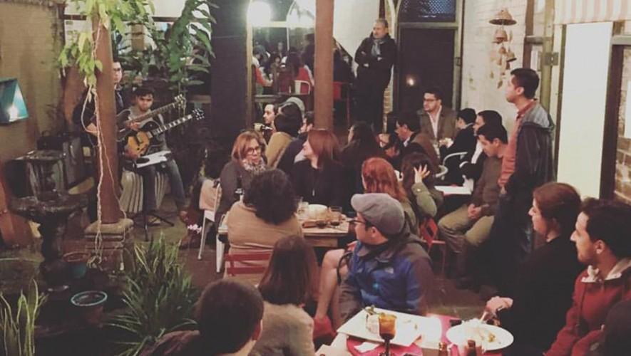 Noches de Verso en El Mercadito de Lola zona 15 | Febrero 2017