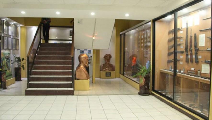Visita guiada por el Museo de la Policía Nacional Civil