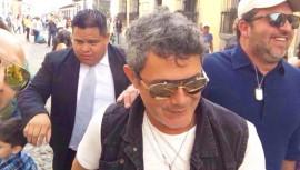 El cantante español agradeció a Guatemala por su interpretación de Corazón Partío. (Foto: Radio Xtrema)