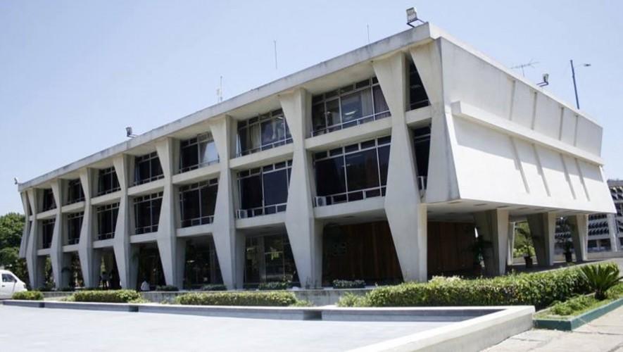 Los estudiantes de la Universidad de San Carlos ahora pueden tramitar su carné en línea. (Foto: Radio Punto)