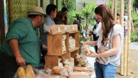 Saúl Farmers Market: Mercado de productos guatemaltecos orgánicos y naturales