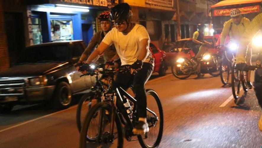 Colazo nocturno en bicicleta por Total Bikes en Portales | Febrero 2017