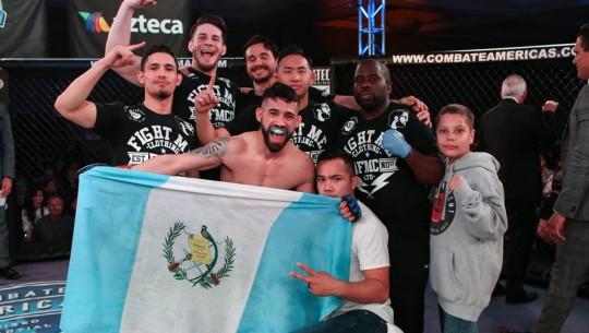 Ambos guatemaltecos se lucieron en el evento que se llevó a cabo en Los Angeles. (Foto: Combate Américas)