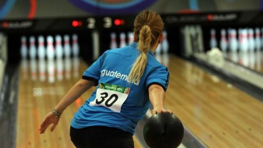 El boliche guatemalteco contará con una academia los viernes y sábado para atletas desde los 8 años. (Foto: COG)