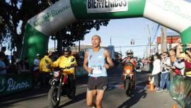 Amado se adjudicó su primer triunfo del año, al ser el primer lugar de la carrera de 10 kilómetros. (Foto: Fernando Gutiérrez/La Nación)