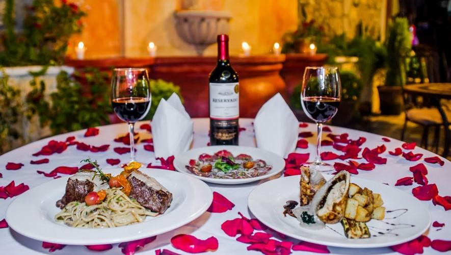Noche romántica de los años 80 en El Viejo Café Antigua Guatemala | Febrero 2017