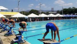 Competencia invitacional de natación