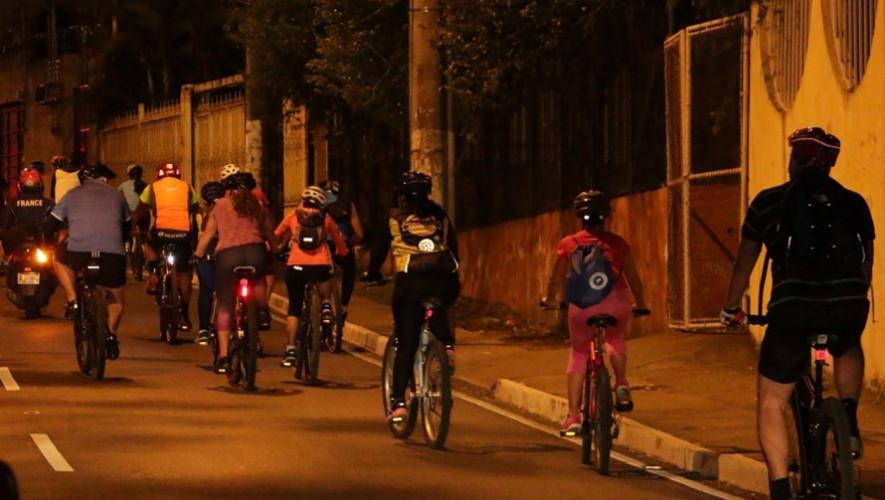 Tour nocturno en bicicleta por la Ciudad de Guatemala   Febrero 2017