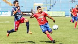 Municipal y Xelajú se enfrentan en el Mario Camposeco por la jornada 9 del fútbol guatemalteco. (Foto: Rojos de Municipal