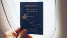 El pasaporte de Guatemala es de color azul.  (Foto: eddiearr)